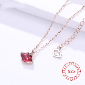 Wholesale New Arriving Stylish Attractive Hot Girl Charming Necklace Solid S925 Silver Ladies Kiss Sexy Blazing Red Lip Necklace