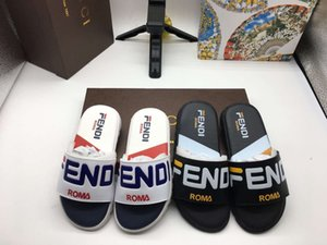 Wholesale Newest Branded Kids Leather Letter Print Slippers Fashion Boy Girl Rubber Sole Non slip Beach Slide Sandal Eu