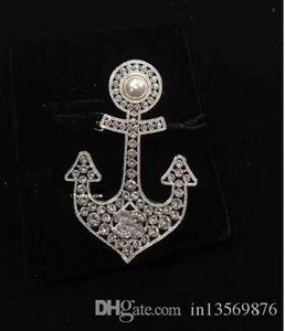 fashion luxury women's female's ladies stamped crystals pearl Anchor brooches pins with box free shipping on Sale