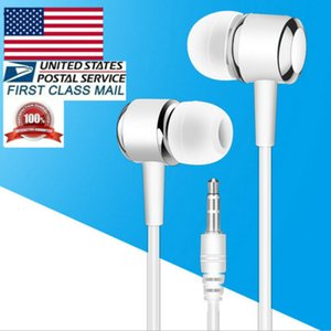 Wholesale Wired Earphones mm with MIC for iPhones SmartPhones Tablets Laptop Hot Unisex Fashion Earphones