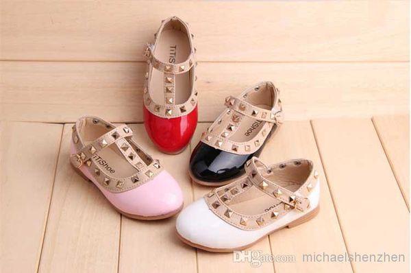 top popular Spring Elegant Rivet Princess Patent Leather Kids Low-heeled Children Shoes Girls Wedge Sandals 3 Colors 2015 2019