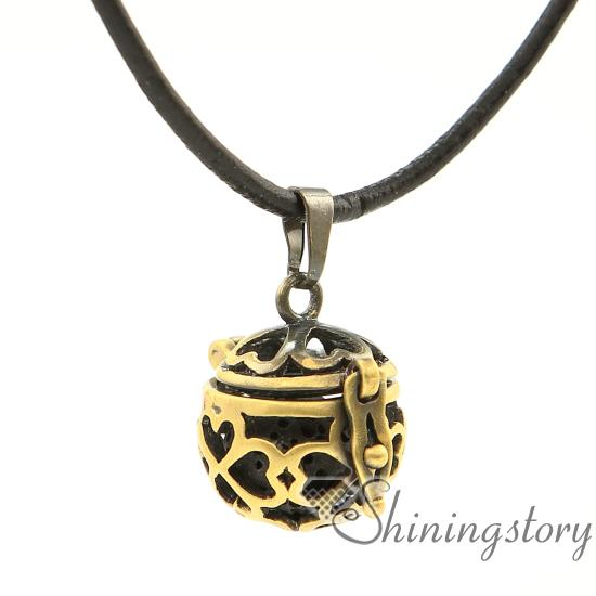 openwork metal volcanic stone four clover diffuser necklace diffuser necklace wholesale make your own oil diffuser necklace oil diffuser
