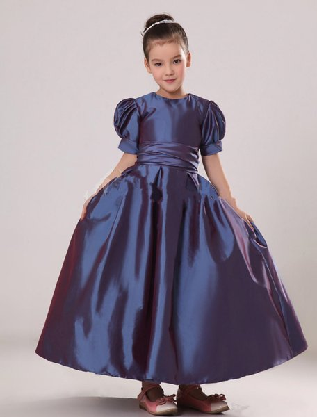 2015 lila kurze Puff Ärmel Taft Blumenmädchen Kleid mit Rundhalsausschnitt Schärpe Mädchen Festzug Kleid Hochzeit Kleid