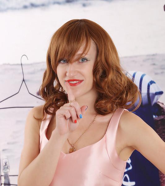 Großhandel 2017 Mode Frauen Kurze Haare Perücke Synthetische Lockige Hellbraune Volle Perücken Peluca Für Frauen Sex Produkte Freies Haarnetz Von