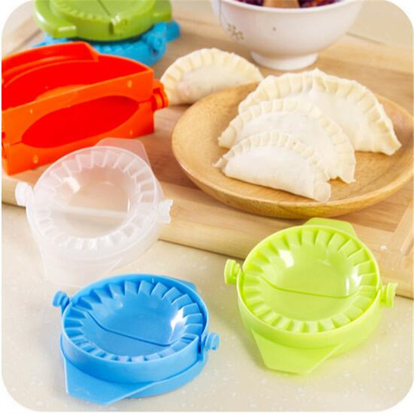 1 PC Dumpling Criador Moldes Food-Grade De Plástico Pacote 7.5 cm Imprensa Massa Torta De Bolinho Ravioli Molde De Bolinho De Massa De Carneiro Moldes