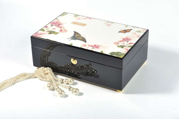 China factory supply wooden jewelry box lining velvet butterfly