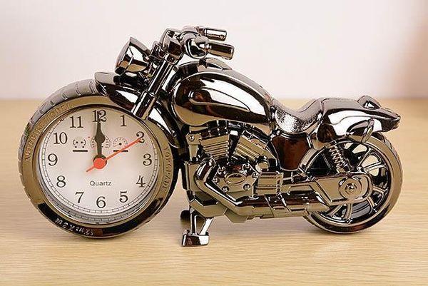 الجملة الحديثة تزيين المنزل الجدة بارد بنين غرفة رجل الهدايا دراجة نارية المنبه الكوارتز ساعات