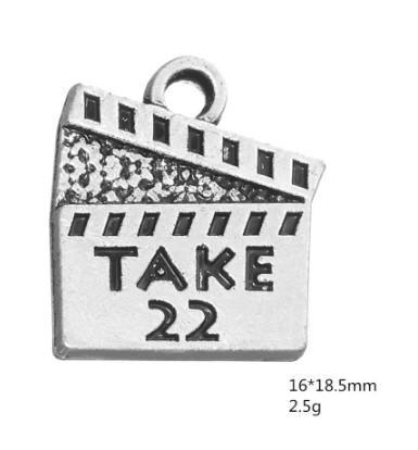 50 Adet 22 film eylem kurulu oyulmuş takılar atın