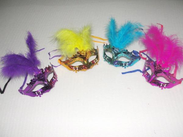 2016 ventas calientes pintura en polvo de oro máscaras de disfraces de plumas flores de cristal decoraciones máscara de la boda máscaras color de la mezcla 30 unids
