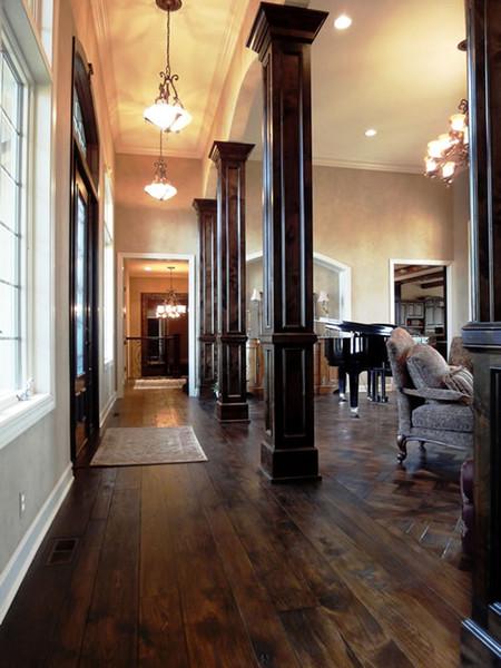 Pisos de madera originales Acacia Piso cepillado Piso de la sala de estar grande Estilo europeo Piso de la habitación antigua Suelo de madera de estilo europeo
