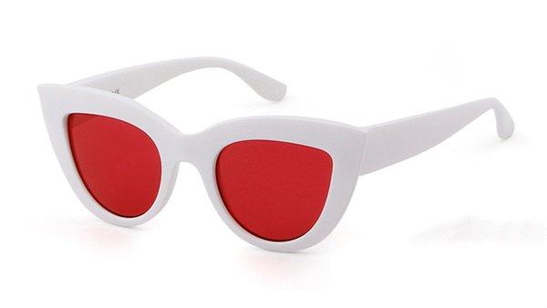 C6 beyaz kırmızı