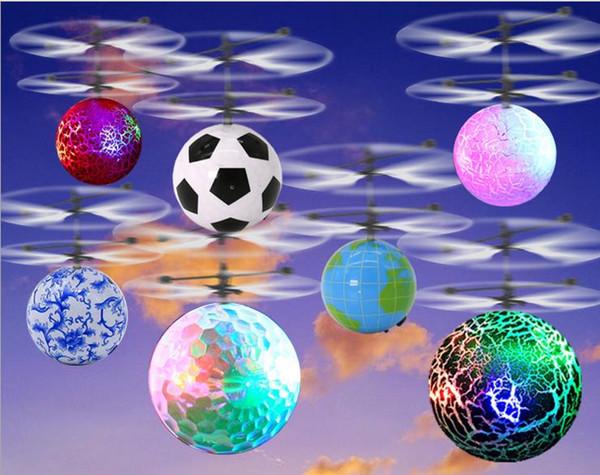 50 pcs Brinquedo RC EpochAir RC Bola Voando Helicóptero Bola Embutida Shinning LED de Iluminação para Crianças Adolescentes Flyings Coloridos Feb10