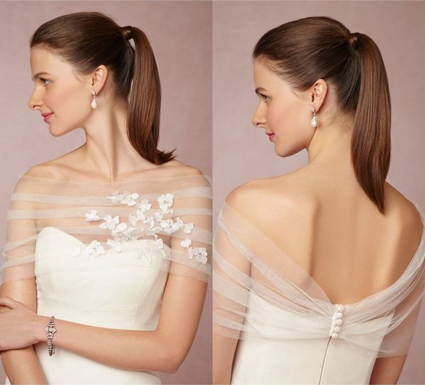 Ruched Off-the-shoulder Sexy Bridal Boleros Pleated Four Buttons Enclosure Wedding Wrap Tulle with Lace Appliques Cheap Charming Wraps
