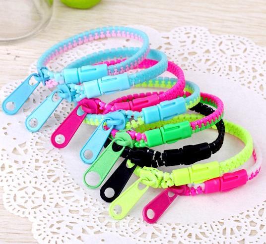 best selling Wholesale Candy Zipper Bracelet two tone double color hip hop plastic Zip Wristband bracelets Popular Zipper bracelet Wristband Mix Color