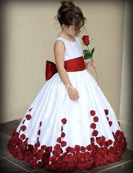 2019 vestidos de niña de flores para bodas Vino rojo y blanco Sash Traje de bola Barrido Tren Tripulación Niñas Vestidos de desfile Vestidos de primera comunión