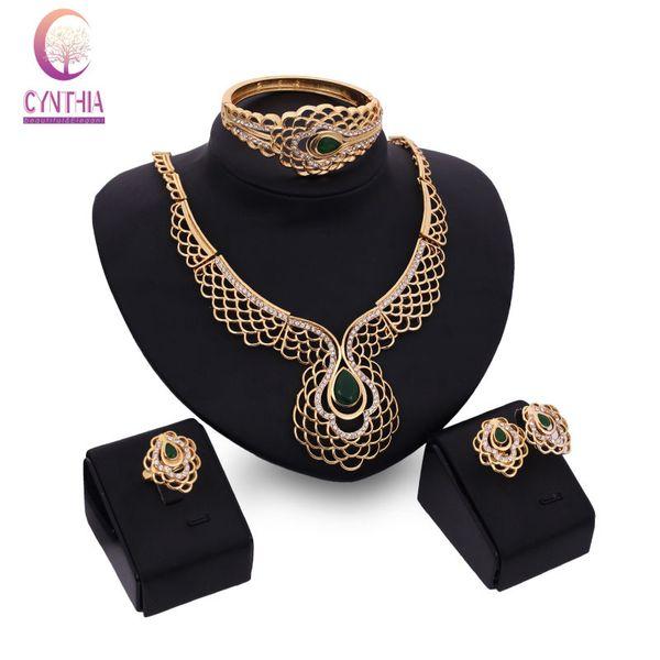 African Beads Kostüm 18K Gold Plated Smaragd Hochzeit Braut Zubehör Crystal Vintage Kostüm Dubai Fashion Halskette Ohrringe Armband Ri