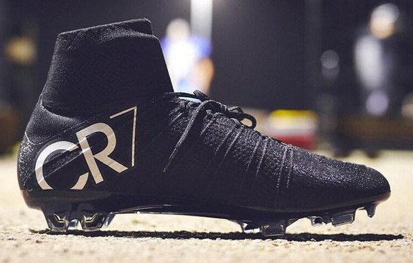 pretty nice 59ae9 c6af8 2019 Ronaldo Black Gold Silver Black CR7 Cleat Football Shoes 2015 New  Soccer Shoes Mercurial Superfly FG ACC Mens Shoes Soccer Cleats Size 39 46  From ...