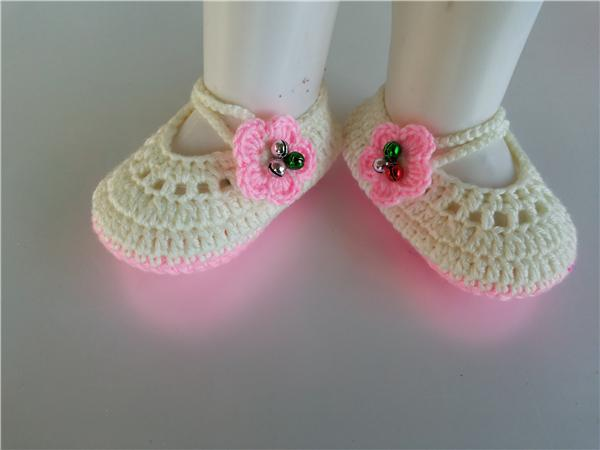 Fashionable Lovely Crochet Knitt girls booties with green flower Handmade Baby Socks infant bell Newborn Shoes/Toddler Shoes 0-12M customize