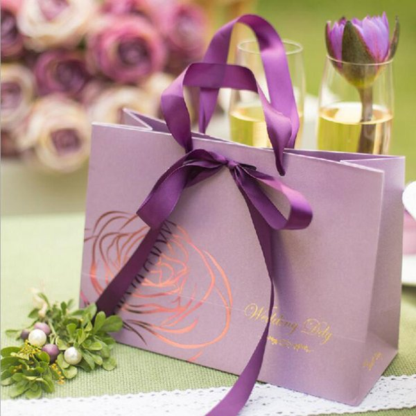 Romantic Beautiful Wedding Favor Holder Gift Bag with Handle Card Paper Bowknot Pink Color Wedding Party Favors
