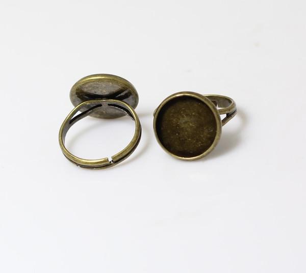 Anello regolabile BeadsNice fatto a mano con anello regolabile con 14mm di giro a cabochon rotondo con castone circolare in vendita ID 18625