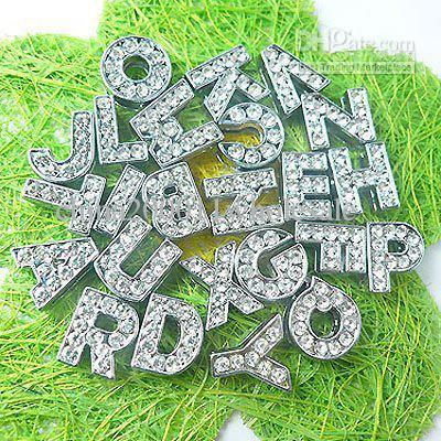 1300pc 10mm lettres A-Z Slide Charm Accessoires de bricolage conviennent aux charms de glissières de collier pour animaux de compagnie
