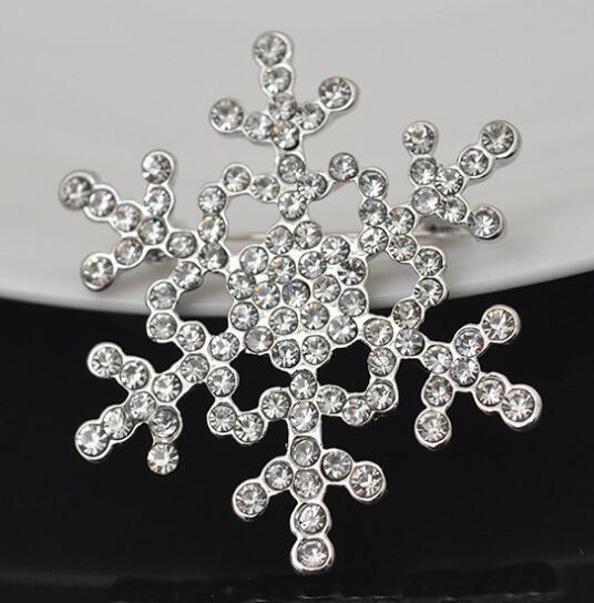 Congelados flocos de neve broche de Strass Broches De Cristal Broche de Cristal Grande Floco De Neve de Inverno Tema da neve Broches para as mulheres Frete grátis