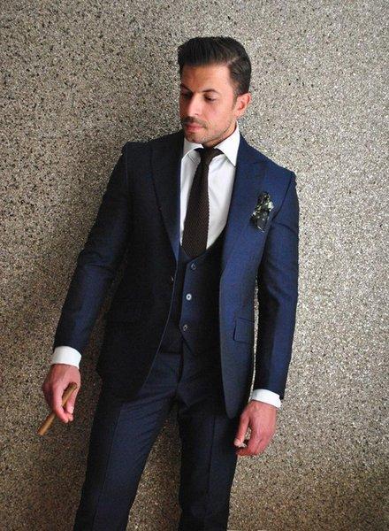 Marka Yeni 2016 Damat Smokin Lacivert Groomsmen Tepe Yaka Best Man Suit / Damat / Düğün / Balo / Akşam Yemeği Takımları (Ceket + Pantolon + Kravat + Yelek)