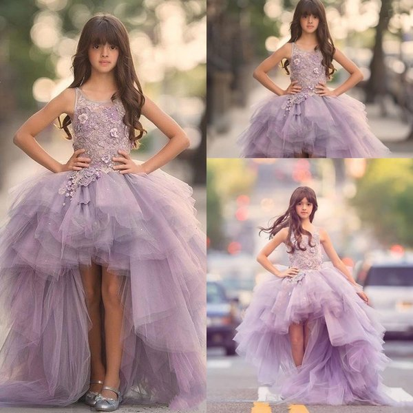 2018 Barato Lilás Lavanda Alta Baixa Meninas Pageant Vestidos de Renda Applique Vestidos Da Menina de Flor Para O Casamento De Tule Roxo Inchado Crianças Comunhão vestido