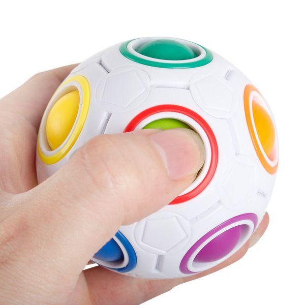 2017 seltsame form Zauberwürfel Zappeln Spielzeug Schreibtisch Spielzeug Anti Stress Regenbogen Ball Fußball Puzzles Stressabbau Zappeln würfel weihnachten spielzeug