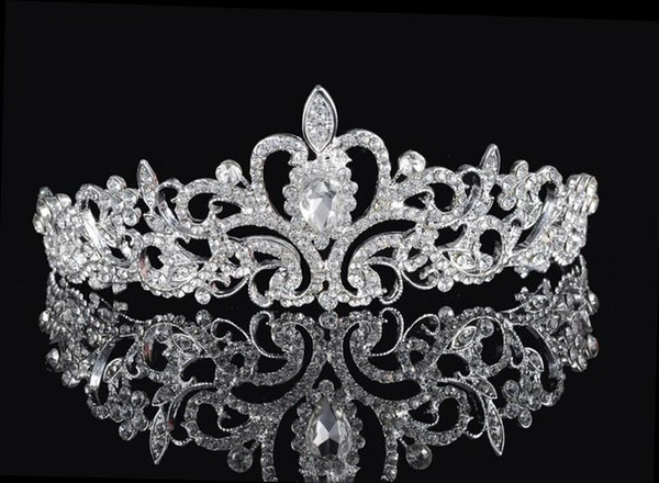 top popular Shining Beaded Crystals Wedding Crowns 2016 Bridal Crystal Veil Tiara Crown Headband Hair Accessories Party Wedding Tiara 2021