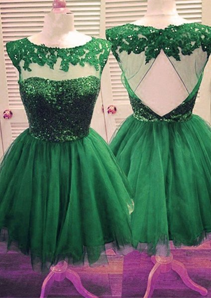2019 Green Lace Short Graduation Prom dresses Cap Short Sleeves Appliques Tulle Pleated Keyhole Back Homecoming Party Dress Cheap