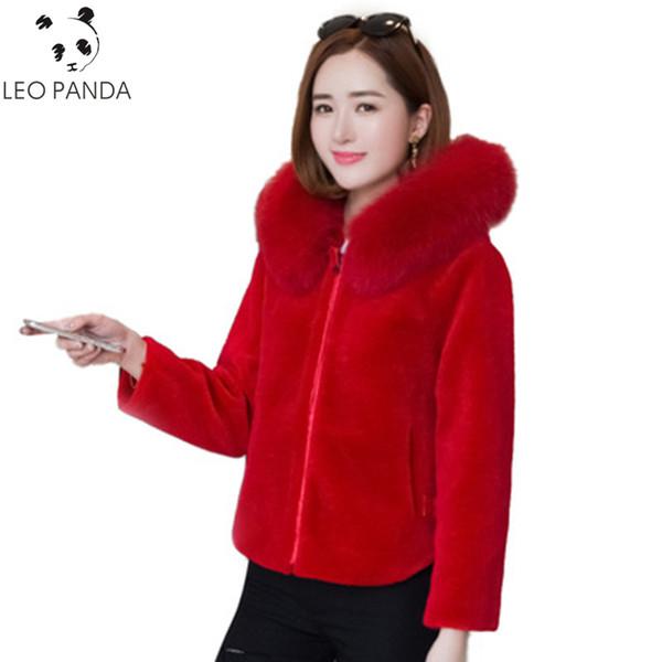 Großhandel Luxus Wolle Mantel Rote Natürliche Schafe Shearing Pelz Jacke 2018 Winter Frauen Mode Real Pelz Mit Kapuze Kurze Mäntel Outwear Von