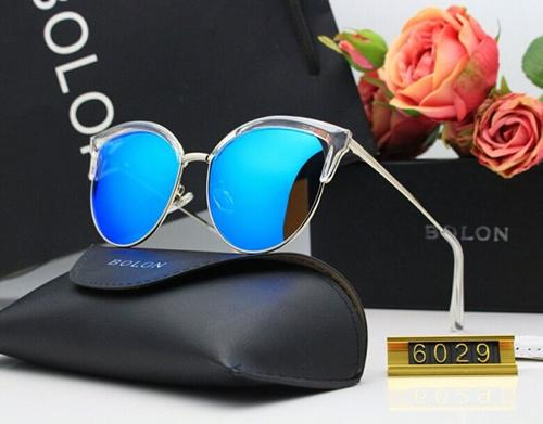 2019Nouveau type de dames hd résine film couleur voyage divertissement shopping shopping lunettes de soleil polarisées