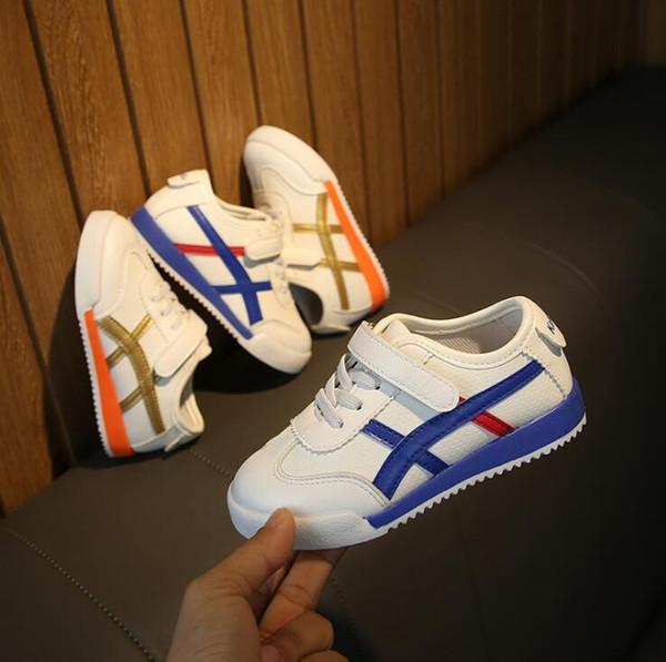 Printemps et été enfants mesh mesh respirant nouvelles chaussures de sport pour garçons et filles en gros et au détail 626-8