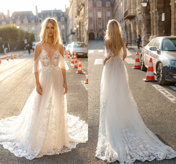 2019 Summer Simple A Line Wedding Dresses Bohemian Beach Flowy Bridal Gowns A Line Backless Appliques Sexy Spaghetti Straps Boho Bride Gown