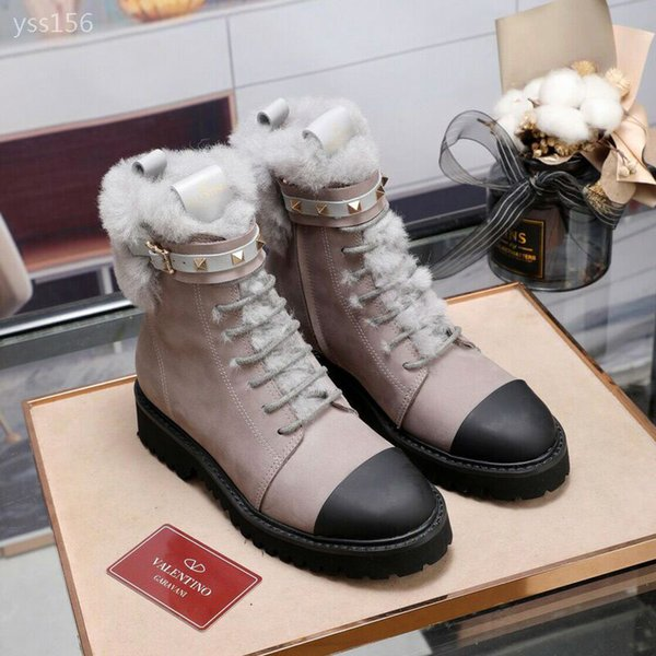2020 classic winter british style martin boots women plus velvet women's low-short tube flat suede short boots factory direct sales