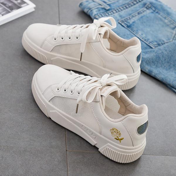 2019 Лето Новая Мода Женщины Повседневная обувь Korean Street Студент Белые туфли Кружева на толстой подошве Высотный Trend Shoes