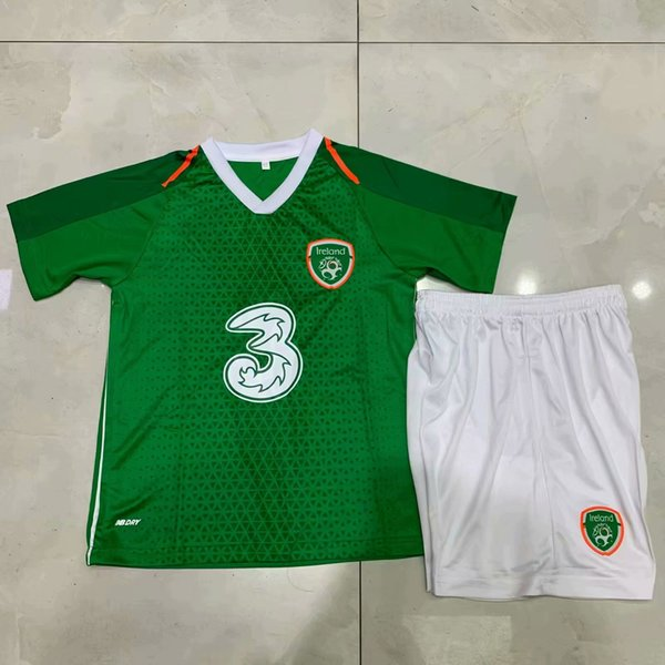 6e2513235 New 2018 2019 republic of ireland kid occer jer ey national team home 18 19  football