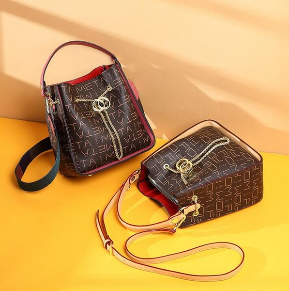 hot women's Body Totes Shoulder Bags Duffel Bags Backpack BEE tiger snake fashion bags High quality white black NO047