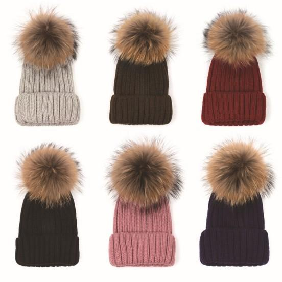Removable Real Racoon Dog Fur Pom Knitted Acrylic Beanies Winter Head Warmer Fur Ball Hats For Adults Mens Womens Slouchy Snow Cap Gorras