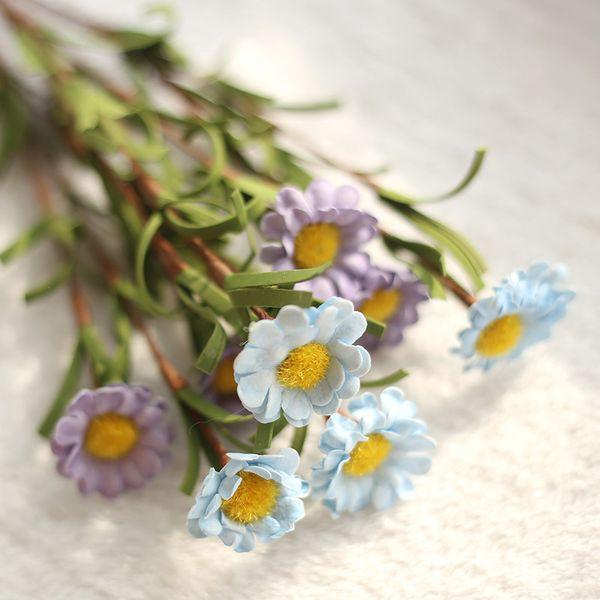 Margarita azul violeta