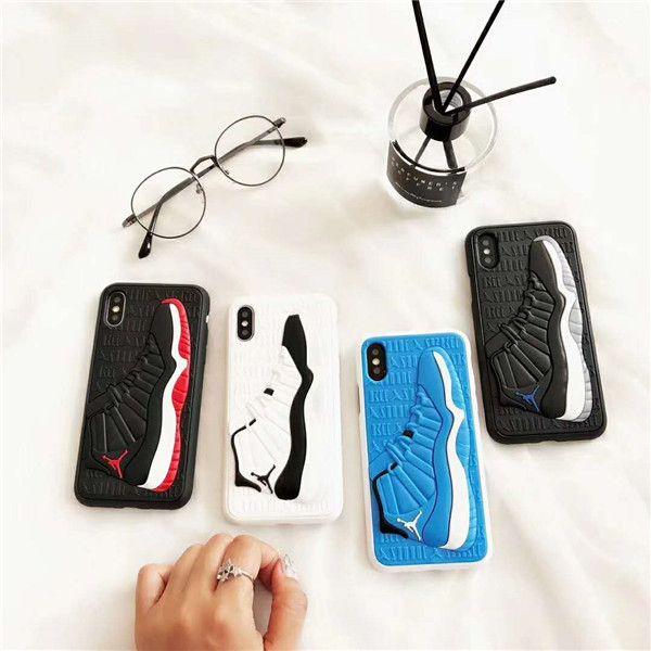 Custodia per telefono in silicone opaco AJ 3D Scarpe da basket Modello Custodia per telefono Sport Custodia posteriore in gomma satinata per iPhone