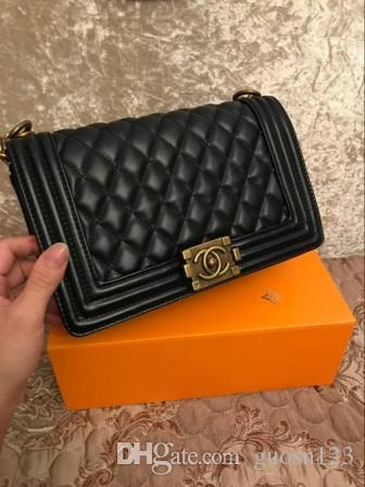 2019 new women s bag Korean version of the lychee pattern iron side turn lock handbag fashion single shoulder diagonal package small square