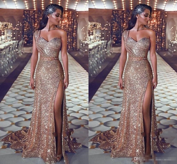 2019 Cheap Rose Gold Sequins Lace Mermaid Bridesmaid Dresses For Weddings Guest One Shoulder Side Split Party Sequined Maid of Honor Gowns