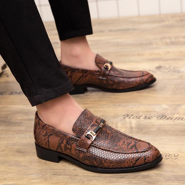 Adam Elbise Ayakkabı İlkbahar Sonbahar Erkekler Sosyal Ayakkabı Siyah Kahverengi Erkek Düğün Ayakkabı Kauçuk Alt Takım Slip-On Erkek ayakkabı