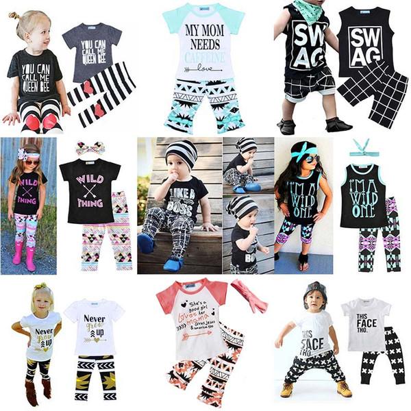 Conjuntos de Roupas de crianças Conjuntos de Carta de Impressão Listras Xadrez Ternos Casuais Do Bebê T-Shirt Calças Roupa Infantil Crianças Tops Shorts 1-5T LG2017