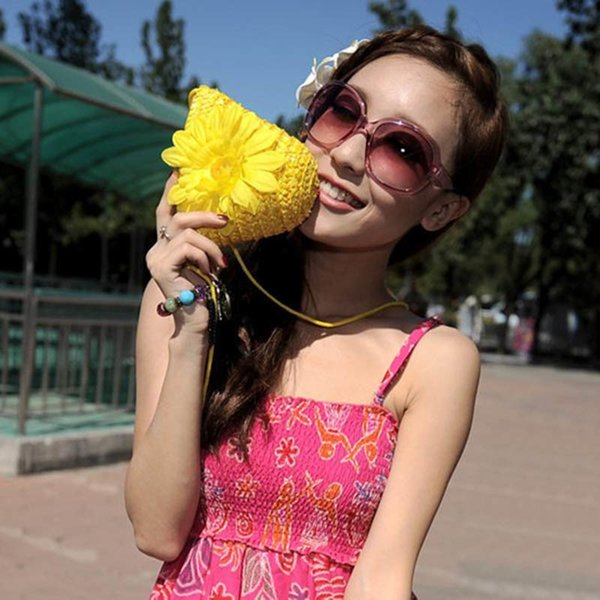 Cheap Women Summer Straw Beach Bag With Flower Bohemian Ladies Handbags Woven Handmade Crossbody Bags Female Mini Messenger Bag W309