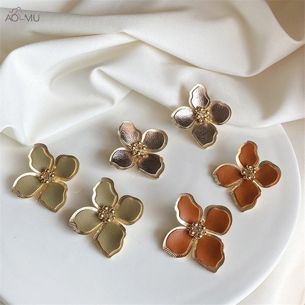 AOMU Sweet Minimalist Fashion Leather Distressed Metal Flowers Stud Earrings for Women Gifts Bohemia Boucle D'oreille Jewelry