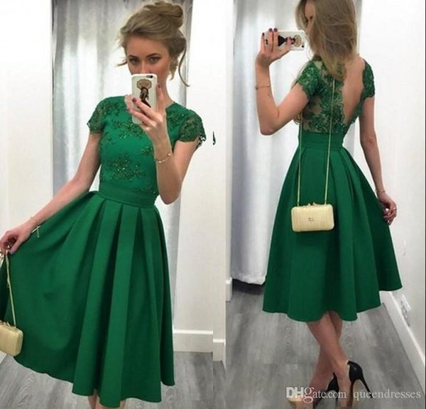 Emerald Green Short Homecoming Dresses With Cap Sleeve A Line Satin Lace Cocktail Party Dresses Special Occasion Eveneing Gowns With Lace