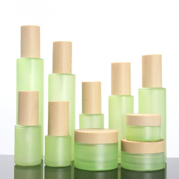 20 30 60 80 100 120 ML Botella de vidrio verde esmerilado Perfume Atomizador Recargable Botella de aerosol vacío Grano de madera Tapas Crema para heladas Envase de frasco